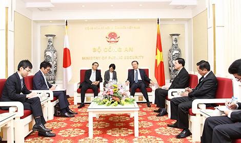 越南公安部部长会见日本驻越大使 - ảnh 1