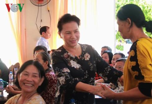 越南各地国会代表与选民接触 - ảnh 1