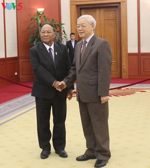 加强越老柬三国友好合作关系 - ảnh 1