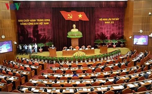越共12届7中全会有关各级干部队伍建设的决议 - ảnh 1