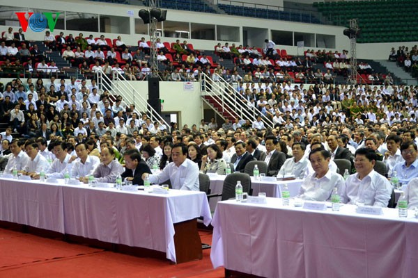 Parteileiter in Da Nang führt Dialog mit Verwaltungsbeamten - ảnh 1