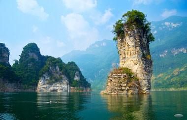 Entdeckung der Schönheit des Stausees Na Hang - ảnh 1