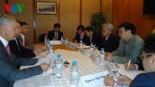 Vietnam und Russland arbeiten verstärkt in Ausbildung von politischen Beamten zusammen - ảnh 1