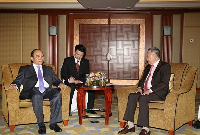 Vizepremierminister Nguyen Xuan Phuc besucht Singapur - ảnh 1