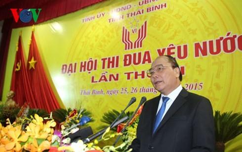 Vizepremierminister Nguyen Xuan Phuc nimmt an Konferenz zum patriotischen Wettbewerb teil - ảnh 1