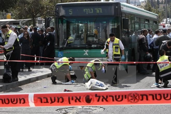 Gewalttätigkeiten zwischen Palästinensern und Israelis eskalieren - ảnh 1