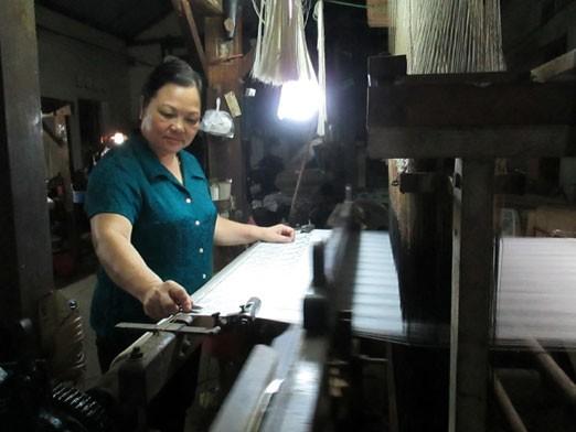Künstlerin Nguyen Thi Tam und die Marke Seiden aus Ha Dong - ảnh 1