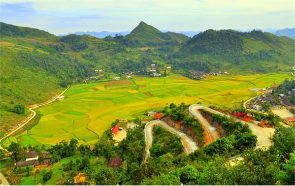 Erlebnisse auf den Wegen in Ha Giang - ảnh 1