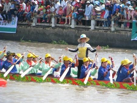 2. Ghe Ngo Bootsrennenfest für die Region des Mekong-Deltas  in Soc Trang  - ảnh 1