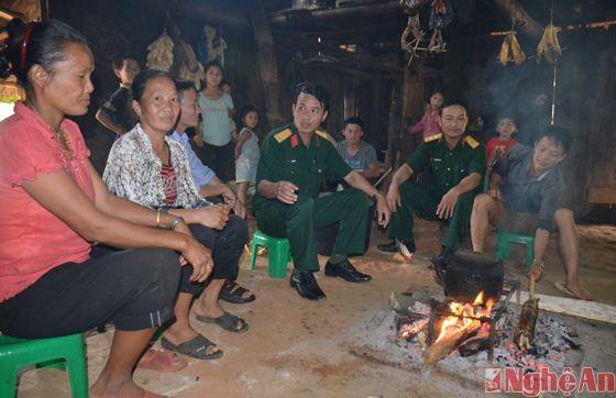 Kultur der ethnischen Minderheiten in Vietnam um den offenen Ofen - ảnh 1