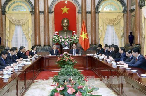 Staatspräsident Tran Dai Quang trifft Vertreter der Wirtschaftsunion aus japanischem Kansai - ảnh 1
