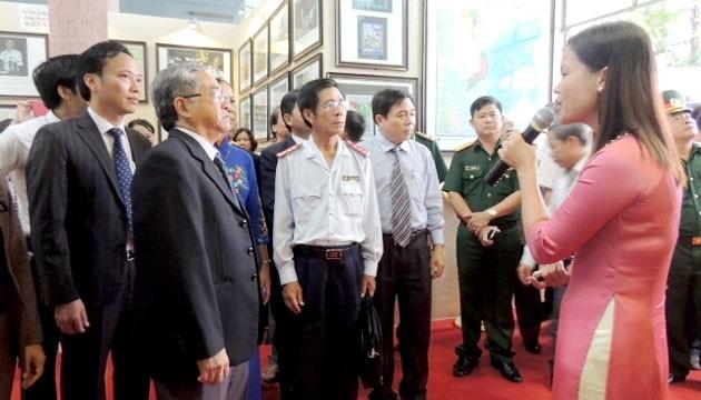 Eröffnung der Ausstellung von Karten und Dokumenten über Inselgruppen Hoang Sa und Truong Sa - ảnh 1
