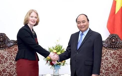 Premierminister Nguyen Xuan Phuc empfängt Botschafter aus Neuseeland und Slowenien - ảnh 1