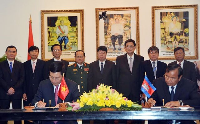 15. Sitzung der vietnamesisch-kambodschanischen Kommission in Phnom Penh organisiert - ảnh 1