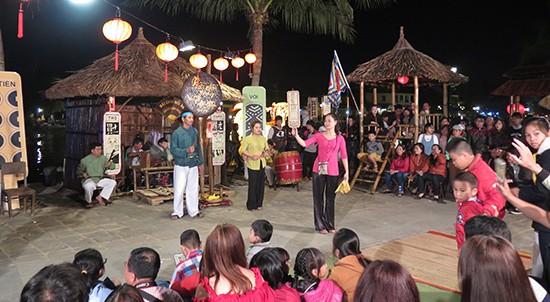 Liveshow der Bai Choi-Kunst wird zum ersten Mal in Vietnam organisiert - ảnh 1