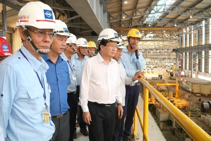 Vizepremier Trinh Dinh Dung überprüft Vorbereitung für Test der 2. Stahlproduktionsanlage Formosas - ảnh 1