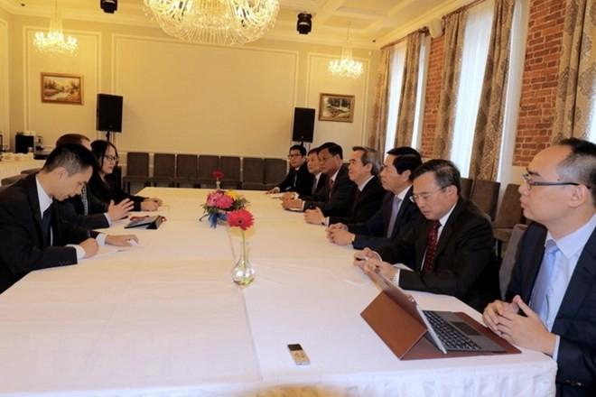 Vietnam beteiligt sich aktiv an Aktivitäten auf dem Wirtschaftsforum in Sankt Petersburg - ảnh 1
