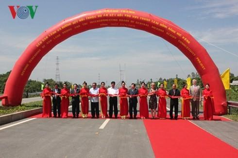 Einweihung der Cao Lanh-Brücke und die Strecke zwischen Brücken Cao Lanh und Vam Cong - ảnh 1