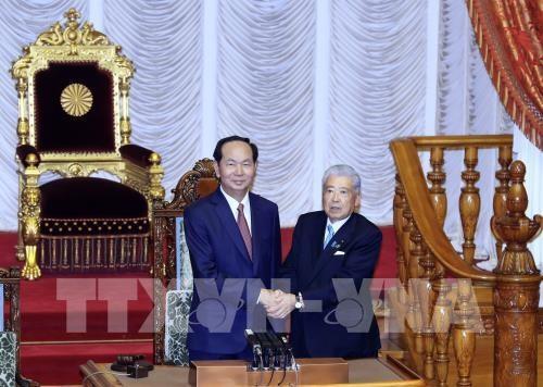 Staatspräsident Tran Dai Quang trifft Japans König und Königin sowie Senatspräsident - ảnh 1