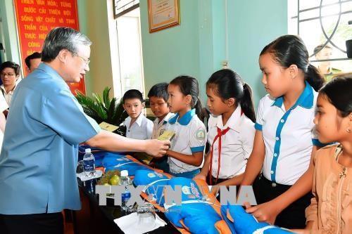 Ständiger Vertreter des KPV-Sekretariats Tran Quoc Vuong besucht Gia Lai - ảnh 1