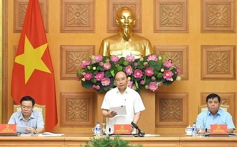 Premierminister Nguyen Xuan Phuc leitet die Sitzung des Generalstabs für Wirtschaftsrestrukturierung - ảnh 1