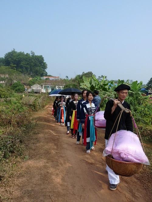Hochzeitsfeier der Cao Lan in Bac Giang - ảnh 2