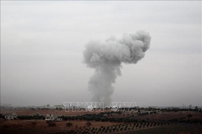 Russland bestätigt Luftoffensive auf Terrorstellungen in Idlib - ảnh 1