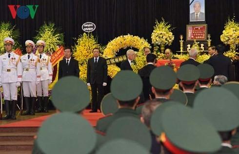 Gedenkzeremonie für ehemaligen KPV-Generalsekretär Do Muoi - ảnh 1