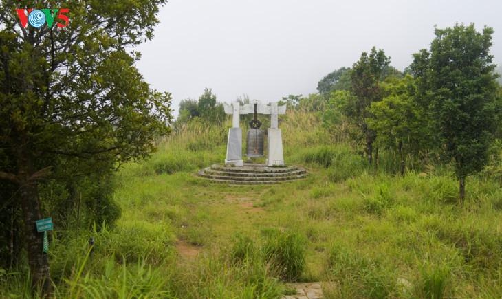 Bach Ma-Gipfel im Herbst - ảnh 2