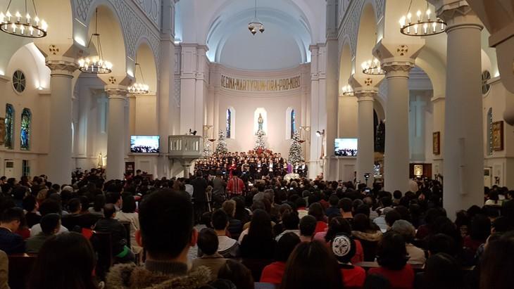 Weihnachtskonzert 2018 in der Cua Bac-Kirche - ảnh 1