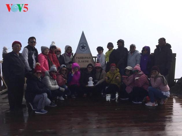 Eis bedeckt den Fansipan-Gipfel - ảnh 7