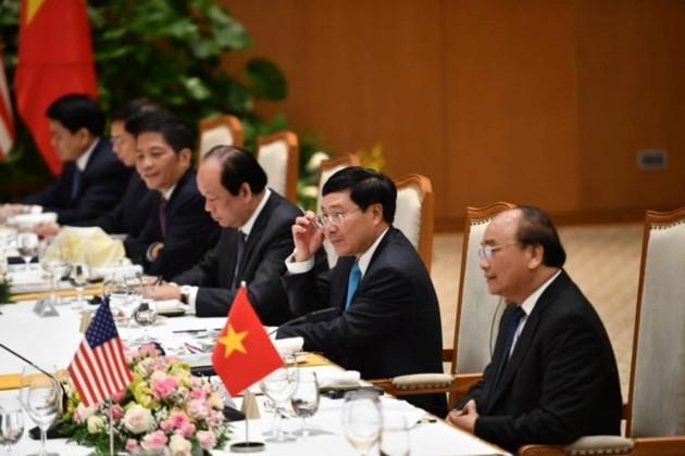 Vietnams Spitzenpolitiker empfangen US-Präsidenten Donald Trump - ảnh 16