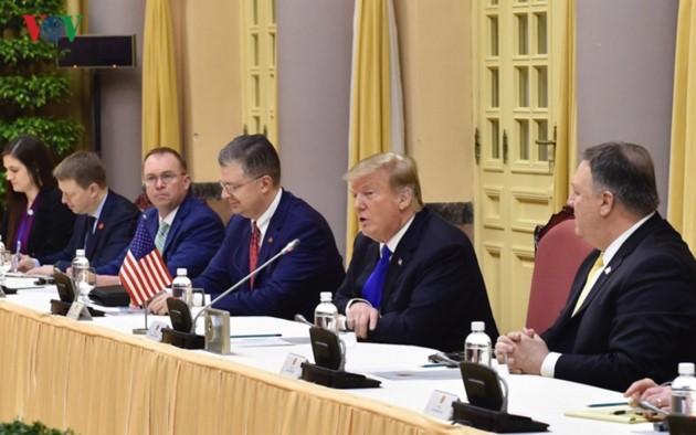 Vietnams Spitzenpolitiker empfangen US-Präsidenten Donald Trump - ảnh 5