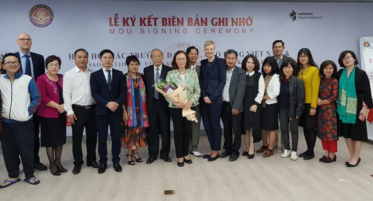Vietnamesisch-deutsches Seminar über Hilfe für Menschen mit Autismus und deren Integration in die Gemeinschaft - ảnh 1