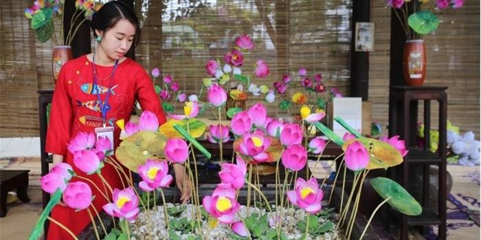Die traditionellen Produkte beim Festival für traditionelle Handwerke Hue 2019 - ảnh 2