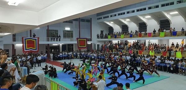 Binh Dinh veranstaltet Wettbewerb der traditionellen Kampfkunst für Kampfkunstschulen - ảnh 1