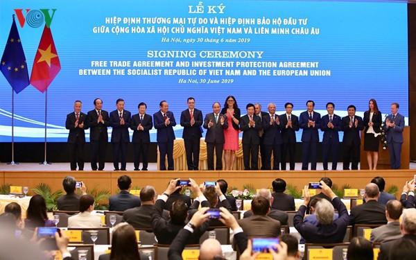 Unterzeichnung von EVFTA und IPA entsprechend der strategischen Partnerschaft zwischen Vietnam und EU - ảnh 1