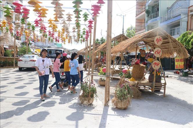 600.000 Besucher nehmen an Kultur-Tourismus-Woche in Dong Thap teil - ảnh 1