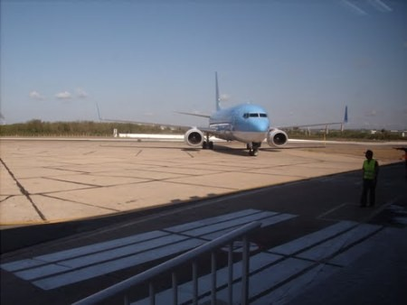 Kuba berencana membuka jalur penerbangan baru ke AS - ảnh 1