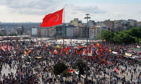 Gelombang demonstrasi menentang pemerintah terus terjadi di Turki dan Bulgaria - ảnh 1