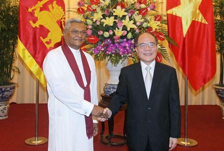 Ketua Parlemen Srilanka mengakhiri dengan baik kunjungan resmi di Vietnam - ảnh 1