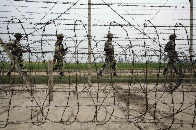India berencana membangun pagar laser di sepanjang perbatasan dengan Pakistan - ảnh 1
