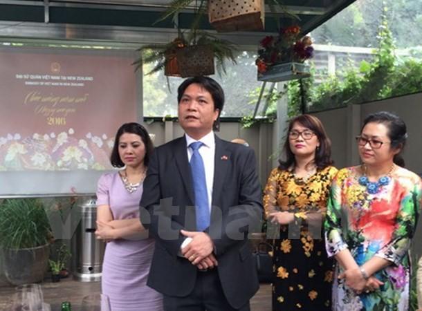 Kaum diaspora Vietnam di Auckland, Selandia Baru mengadakan pertemuan sehubungan dengan Hari Raya Tet 2016 - ảnh 1