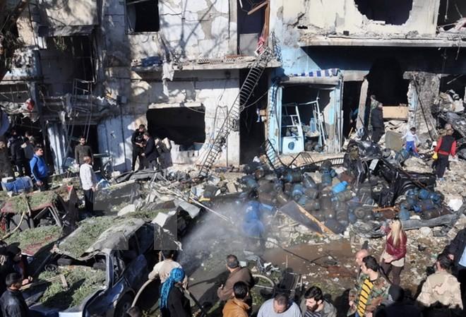 Terjadi serangan bom bunuh diri dobel di Suriah Tengah, sehingga menimbulkan 120 korban. - ảnh 1