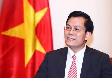 Deputi Menlu Vietnam, Ha Kim Ngoc memberikan jawaban interviu tentang kunjungan Presiden Vietnam, Tran Dai Quang di Kuba dan kehadiran-nya pada  KTT ke-16 Francophonie - ảnh 1