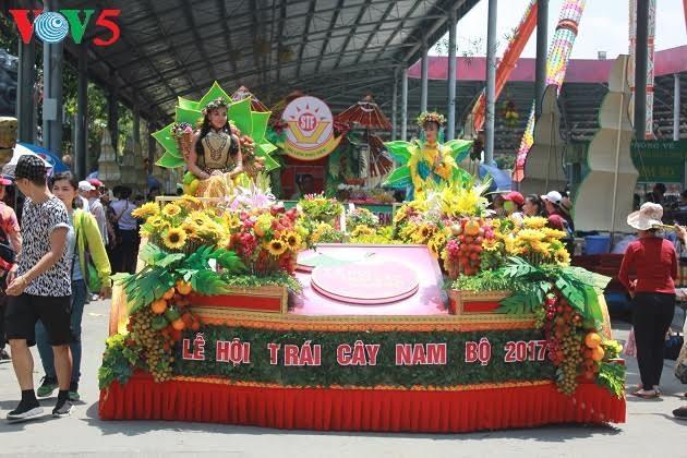 Pembukaan Festival buah-buahan daerah Nam Bo - ảnh 1