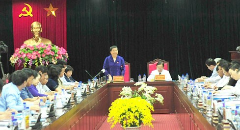 Wakil Ketua MN Vietnam, Tong Thi Phong melakukan temu kerja di provinsi Son La - ảnh 1
