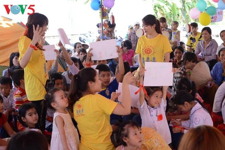 """""""Hari pesta keluarga Vietnam tahun 2017"""" dengan banyak aktivitas yang beraneka-ragam - ảnh 1"""