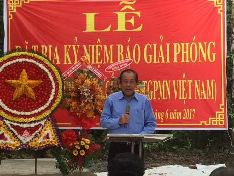 Acara memasang prasasti peringatan Koran Giai Phong - ảnh 1