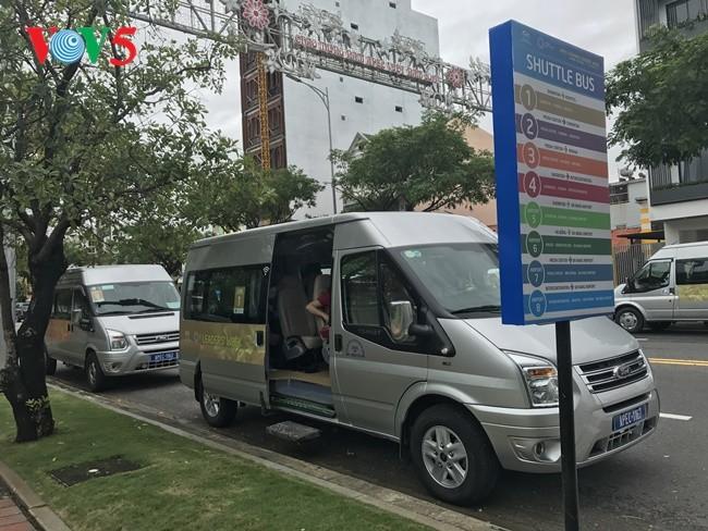 """Sistem """"Shuttle Bus"""" – ide bagus untuk melayani wartawan peserta Pekan Tingkat Tinggi APEC 2017 - ảnh 1"""
